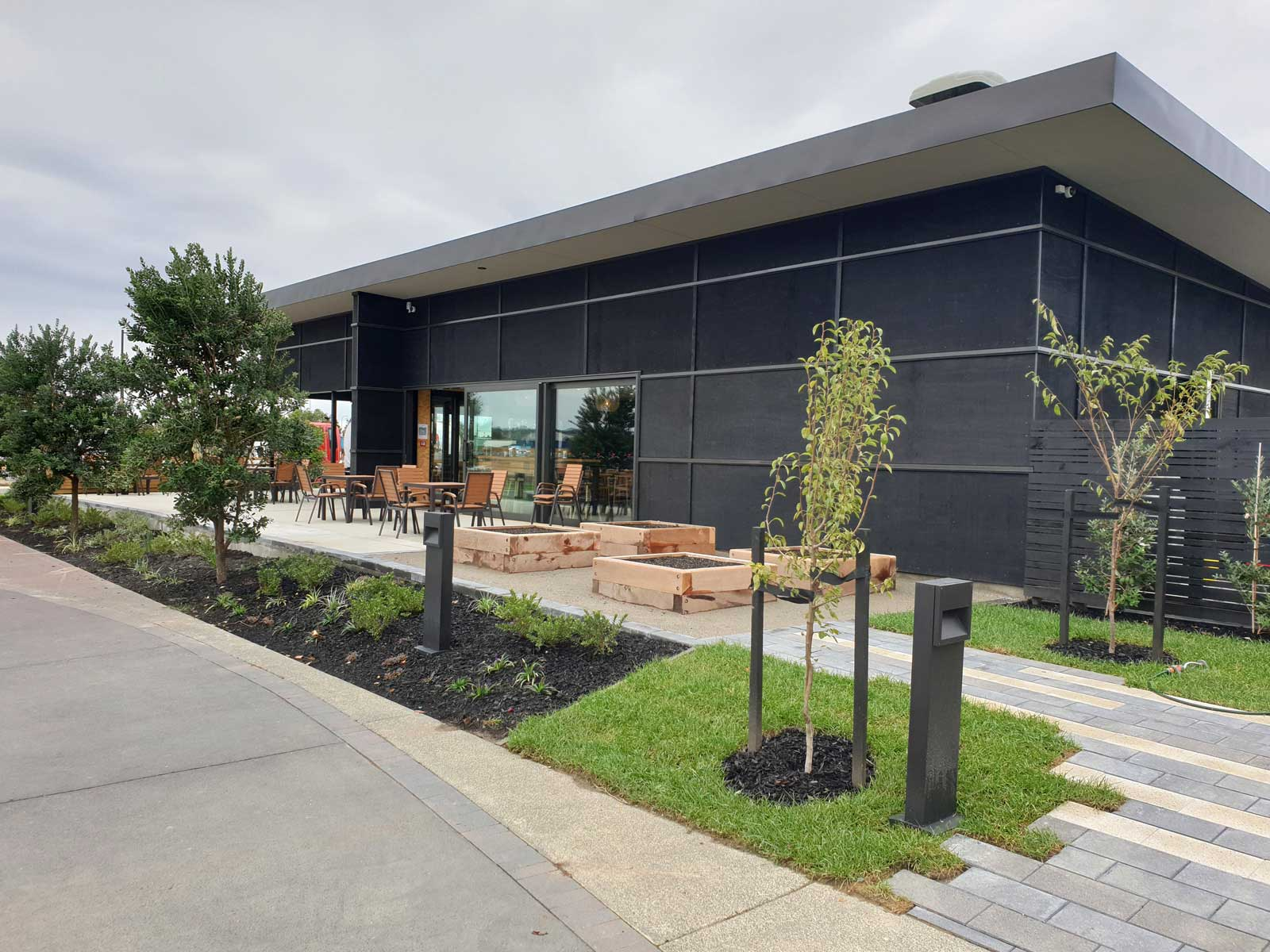 waita-shores-commercial-landscaping-02