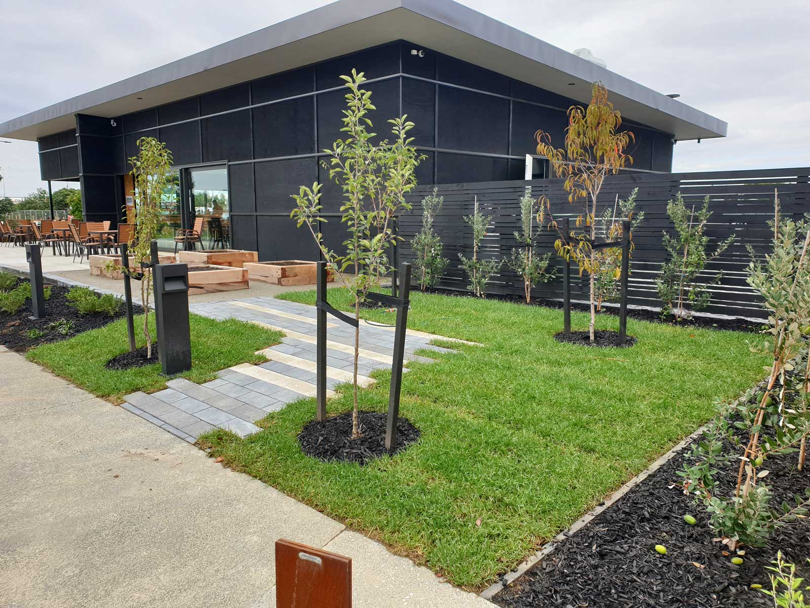 waita-shores-commercial-landscaping-03